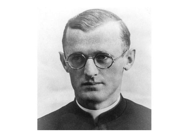 отец Енгелмар Унцайтиг (1911-1945)